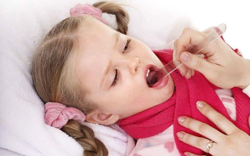 Причины появления ларингита у детей