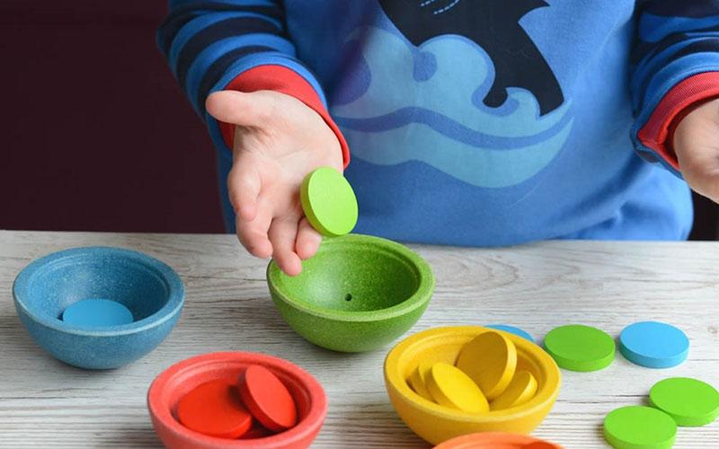 Изучение цвета игры для детей в 2 года