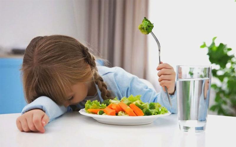 Ребенок отказывается есть - причины