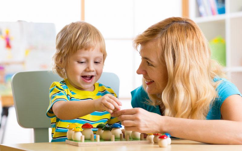 Выбор няни ребенку до 3 лет