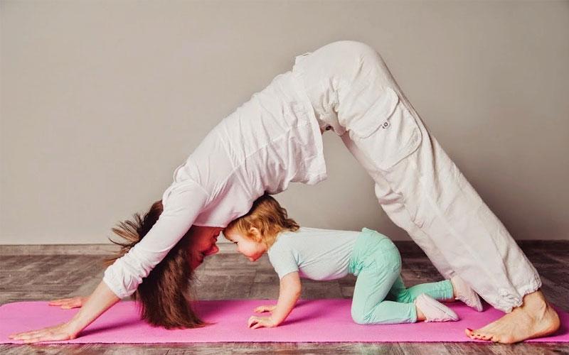 Бейби йога для развития ребенка в 8 месяцев