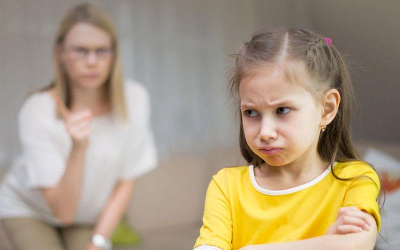 Почему ребенок не слушается и убегает?