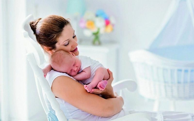 Как обеспечить ребенку комфорт во время 4 триместра?