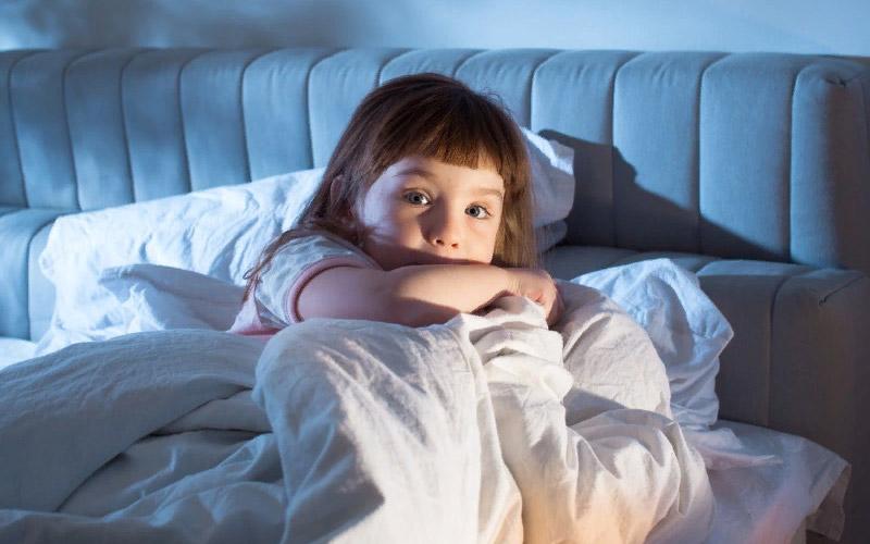 Как приучить ребенка спать в своей кровати?