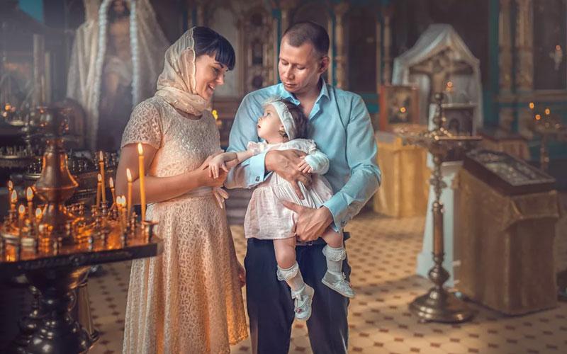 Как правильно выбрать крестных родителей
