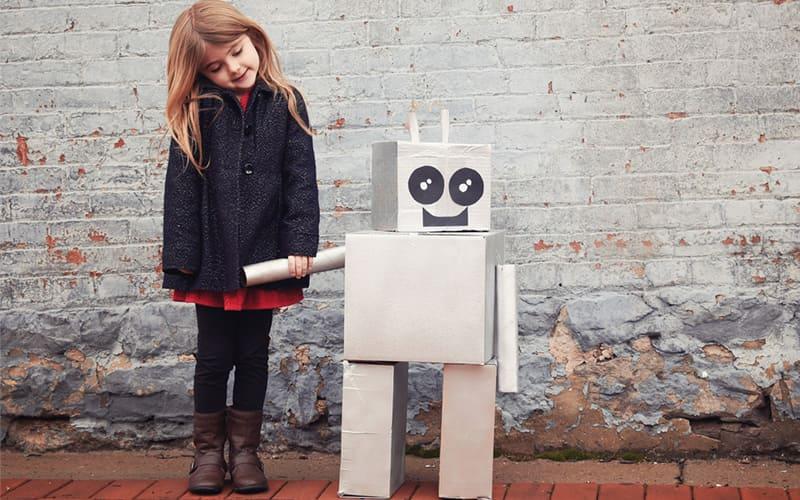 Воображаемый друг у ребенка, причины появления - Перекладывание вины