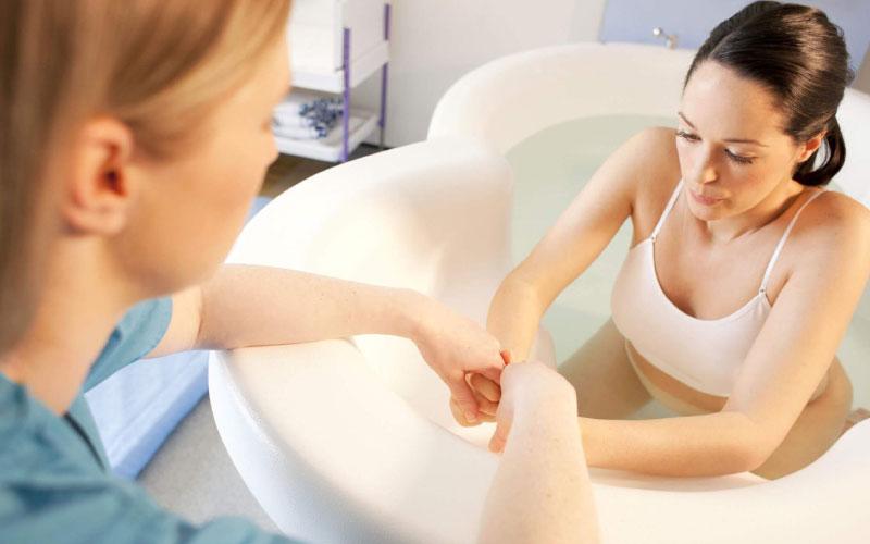 Что необходимо для проведения родов в воде?
