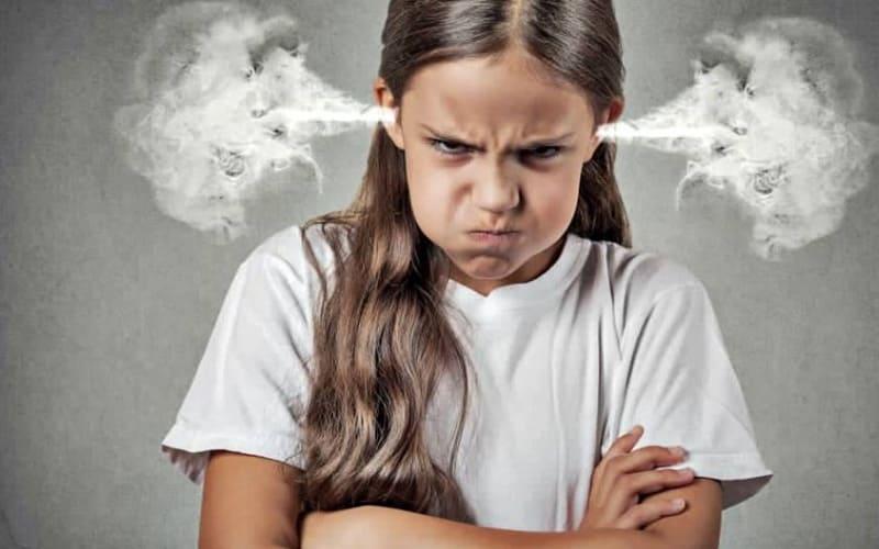 Нельзя воспринимать оскорбительные фразы подростка близко к сердцу.