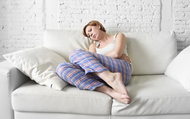 Боль внизу живота на ранних сроках беременности: когда стоит обратиться к врачу?