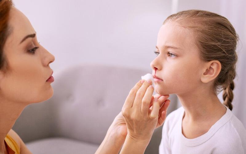 Почему идет кровь из носа ребенка?