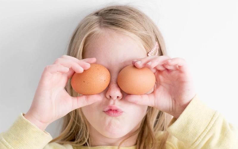 Также может случиться так, что какое-то время ребенок будет с удовольствием есть яйца каждый день.