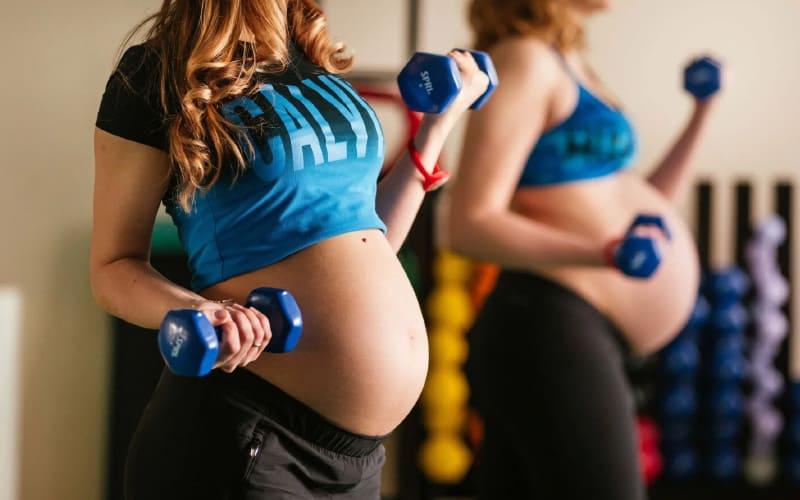 Как успешно вызвать роды: занимаемся спортом
