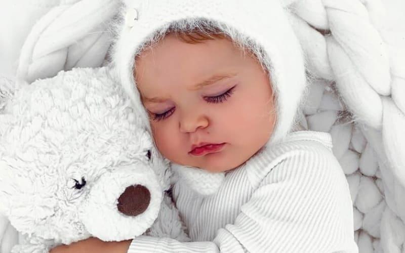 Насколько распространена икота у новорожденного?