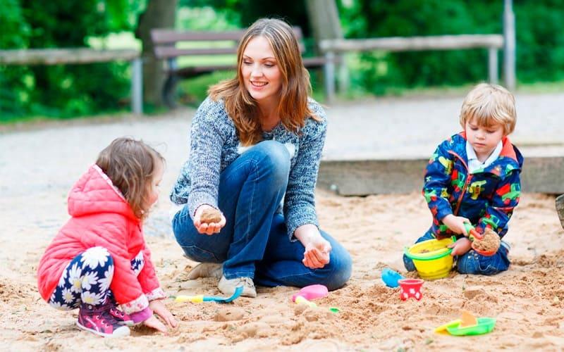 Как правильно подобрать игру на улице для детей разного возраста?