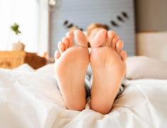 Как минимизировать отеки ног при беременности?